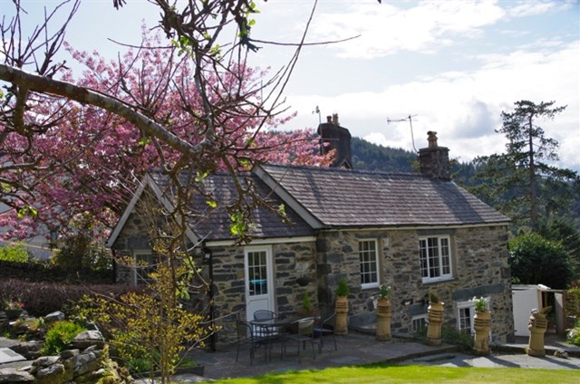 Tyn Y Fron Holiday Cottage